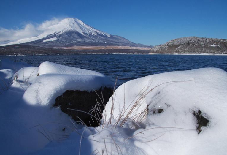 山中湖の新雪-865-3