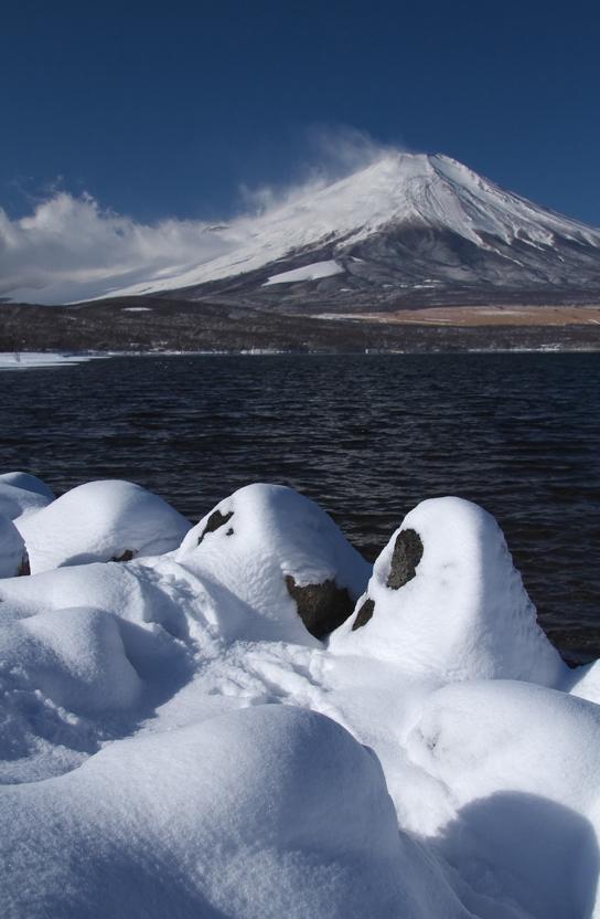 山中湖の新雪-892