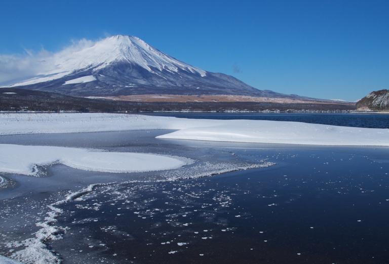 山中湖の新雪-901-1