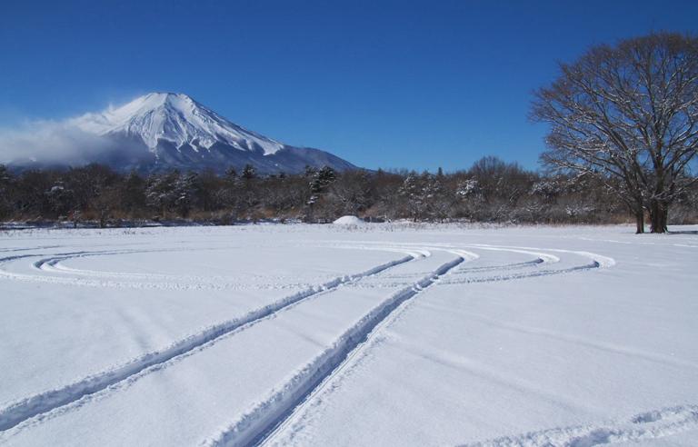 山中湖の新雪-931