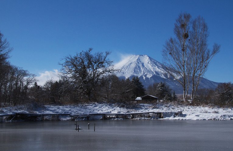 山中湖の新雪-940-1