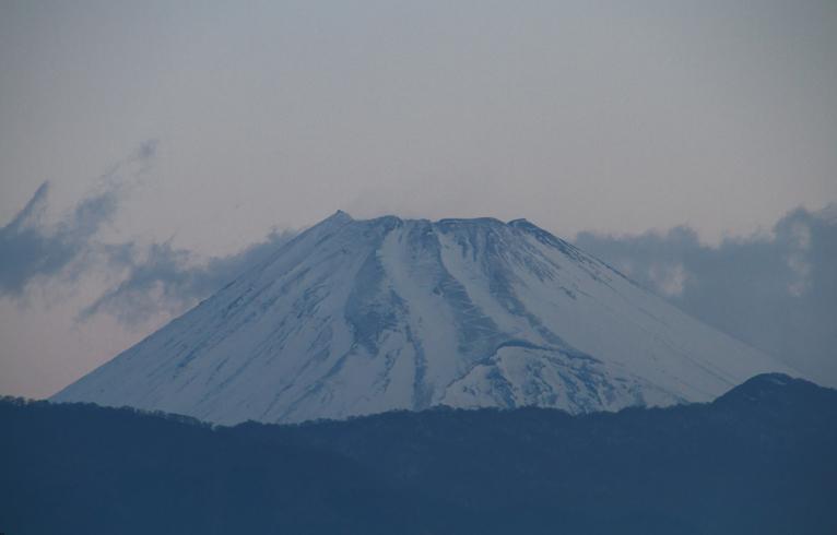 10日 6-03 今朝の富士山-1