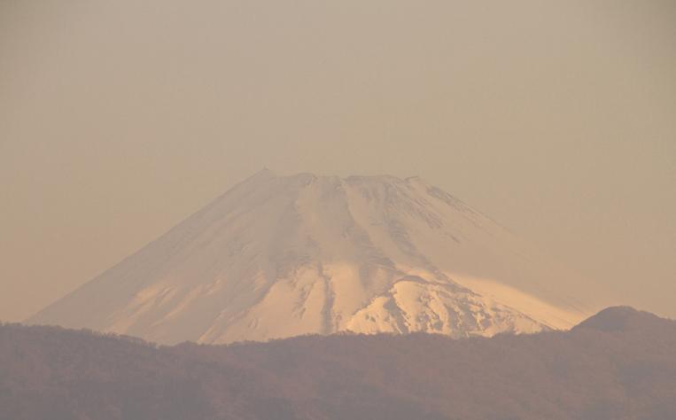 25日 6-17 今朝の富士山-1