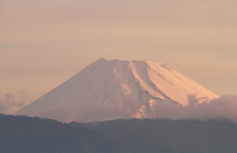 8日 4-58 今朝の富士山1
