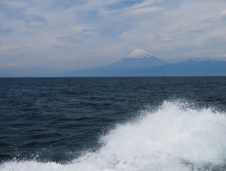 富士山と波