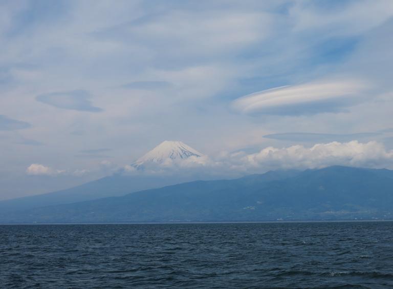 富士山と雲-1