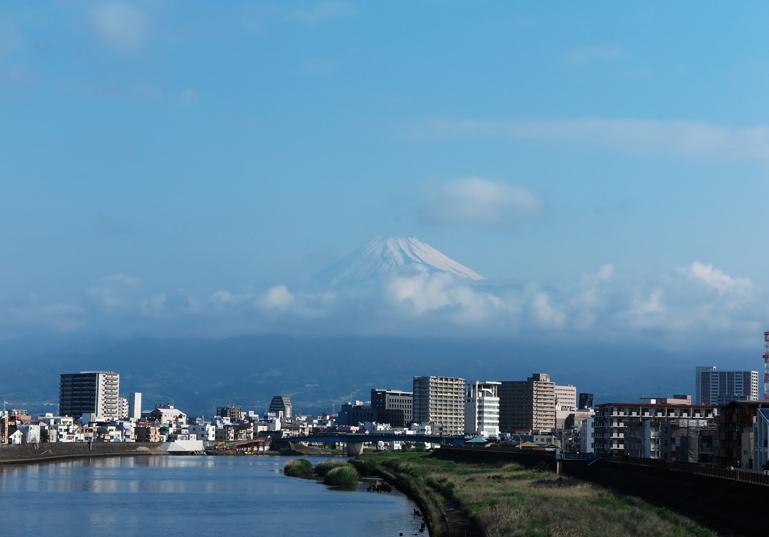 24日 6-43 今朝の富士山-2