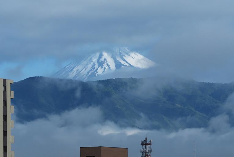 27日 6-51 今朝の富士山-2
