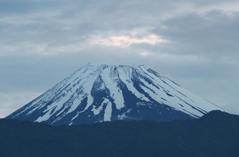 8日 4-42 今朝の富士山-2