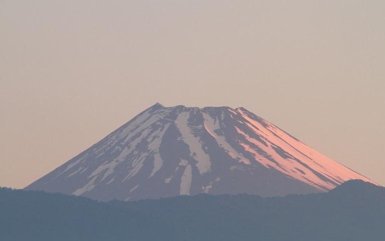 15日 4-33 今朝の富士山-1