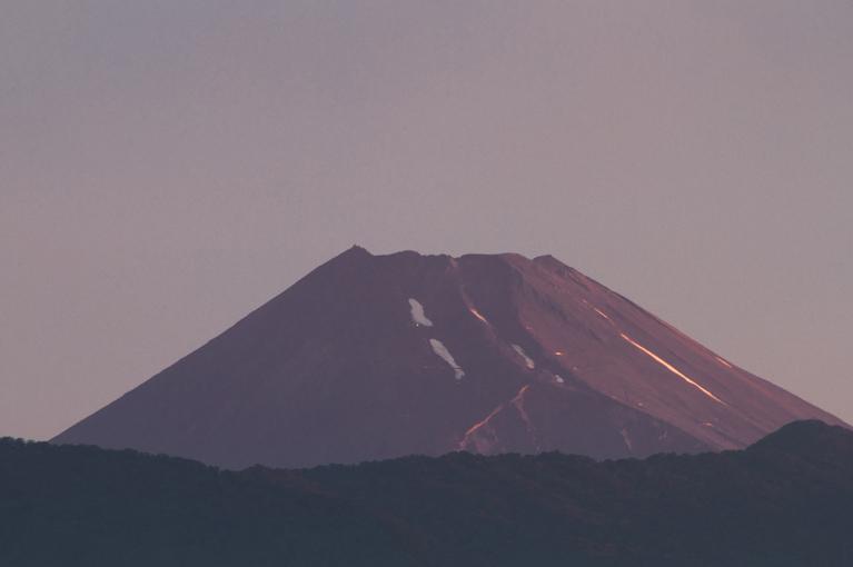2日 4-58 今朝の富士山-1