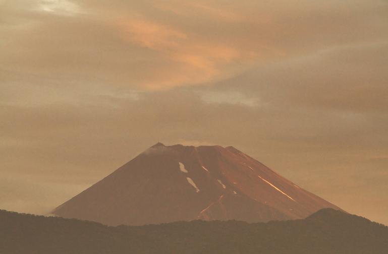 3日 4-59 今朝の富士山-1