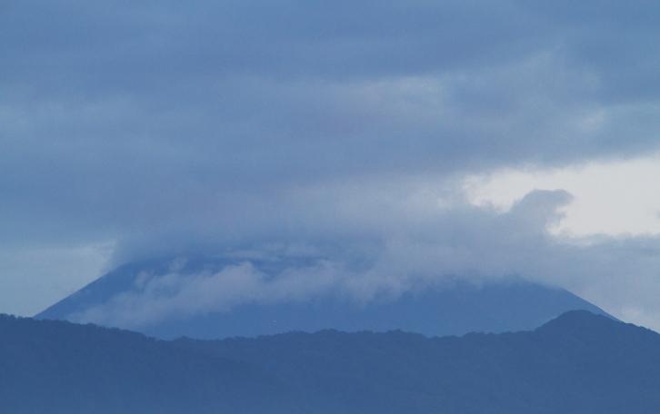 31日 5-11 今朝富士山