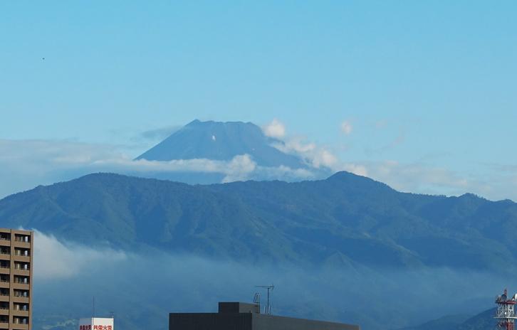 31日 6-18 狩野川からの富士山
