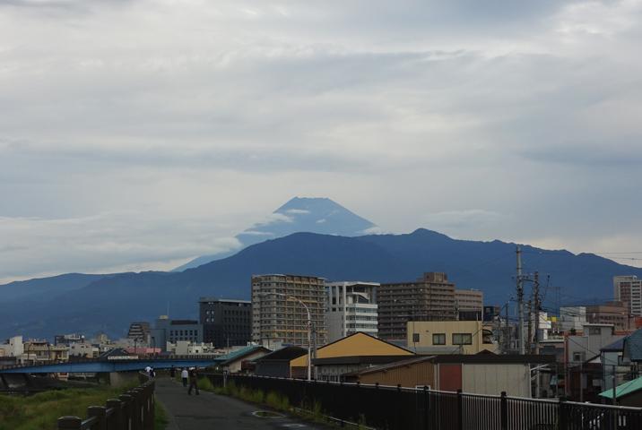 8日 6-12 今朝の富士山-2
