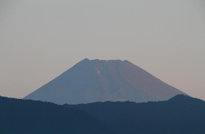 14日 5-34 今朝の富士山-2