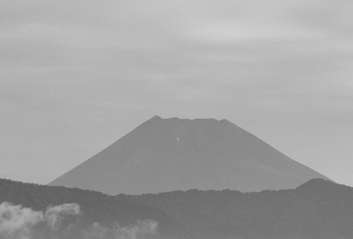 16日 6-25 今朝の富士山-2