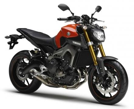 Yamaha FZ-09 850 Triple 3