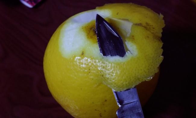 日向夏はリンゴのように皮をむき