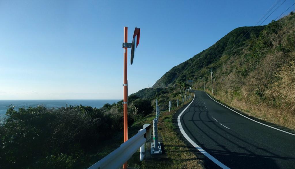 R488日向灘を横目に気持ちの良い道が続く