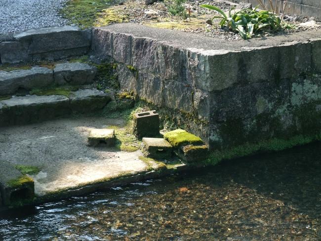 地蔵川の石垣