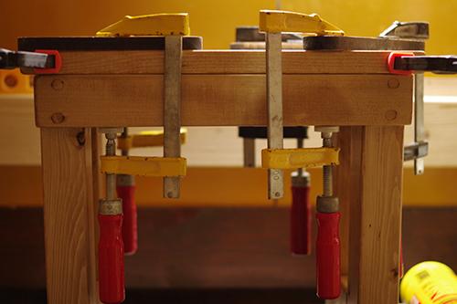 ナチュラルな木製スツール製作