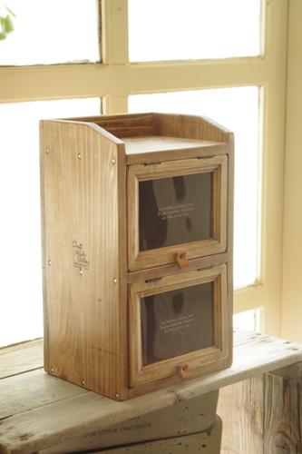 セリアの木製フレームをアンティーク風棚にリメイク
