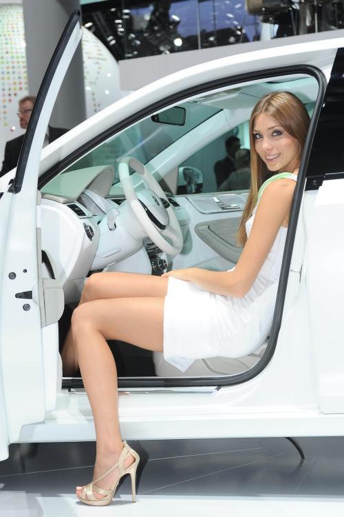 2011 Frankfurt Motor Show Babes2
