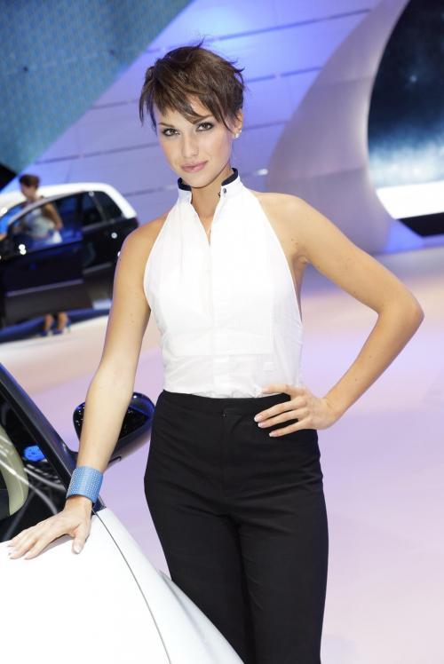 2011 Frankfurt Motor Show Babes8