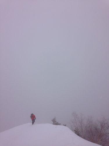 1登り始めから吹雪
