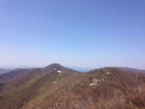 3安積山の稜線