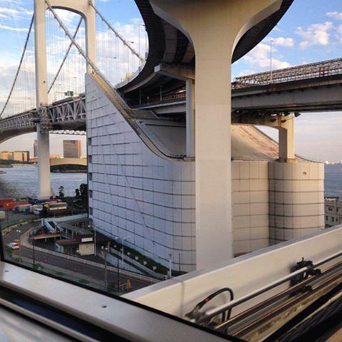 レインボーブリッジの橋脚