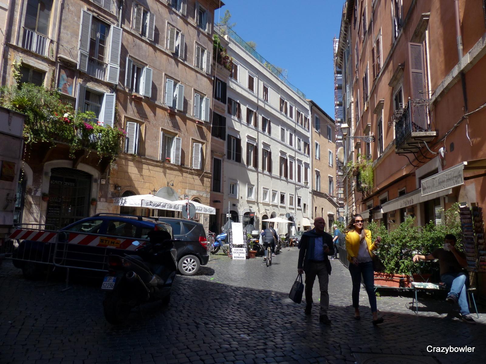 ポッラロラ広場(Piazza Pollarola)