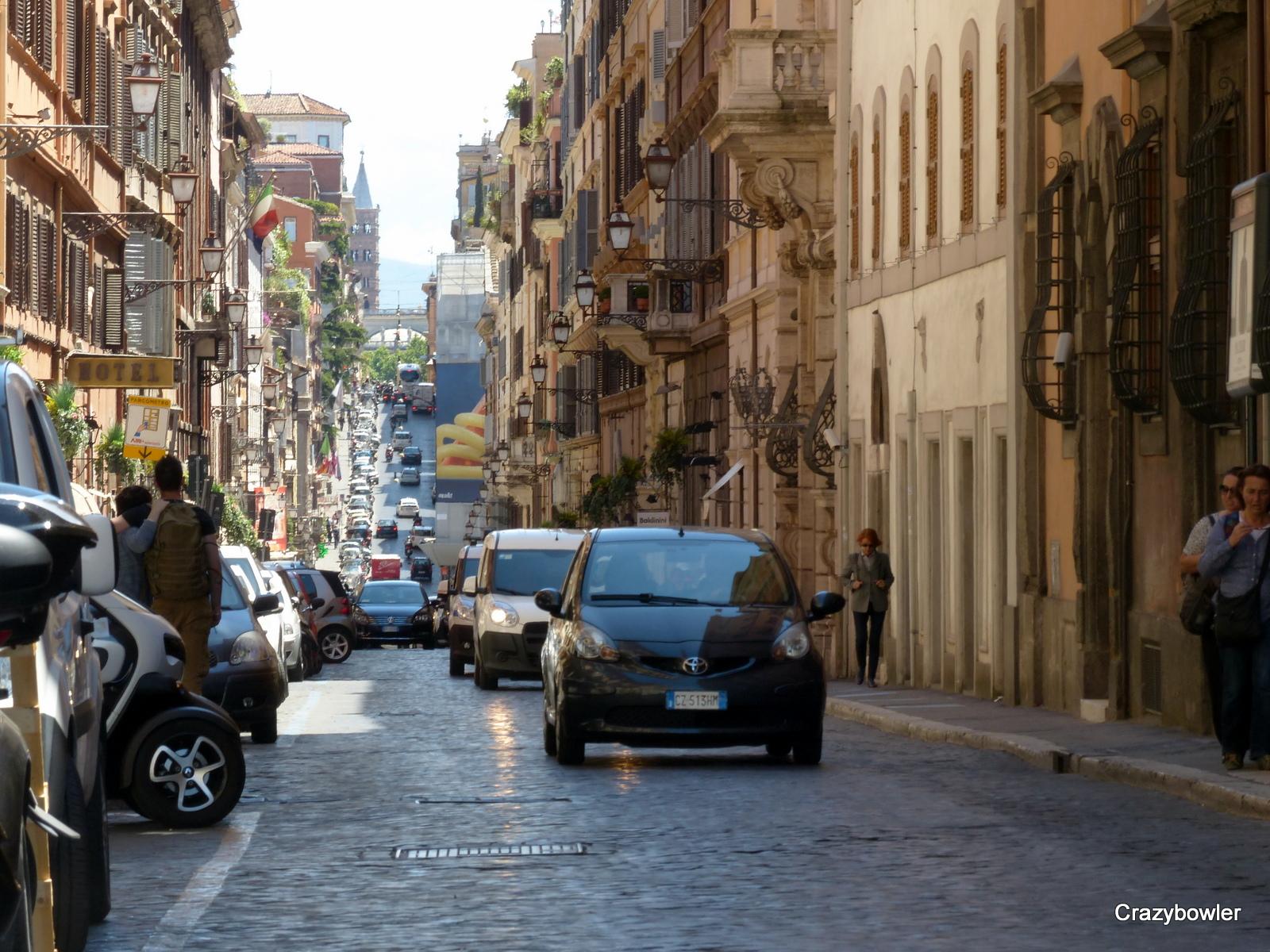 ローマ・システィナ通り(Via Sistina)のスリバチ