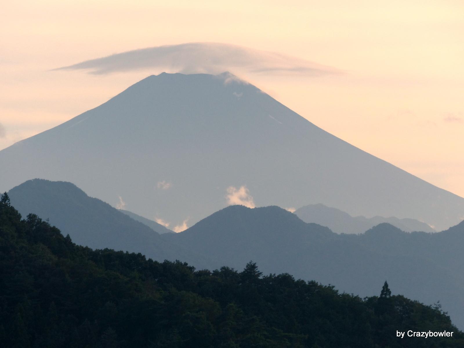 笠をかぶった富士山【2014年8月15日17時27分】