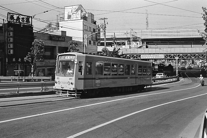 198507都電王子駅前_02