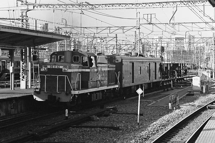 198512品川駅_DE11