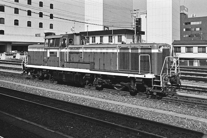 198602八王子駅_DE10-01