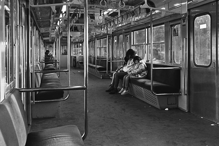 198602成田線_103系車内