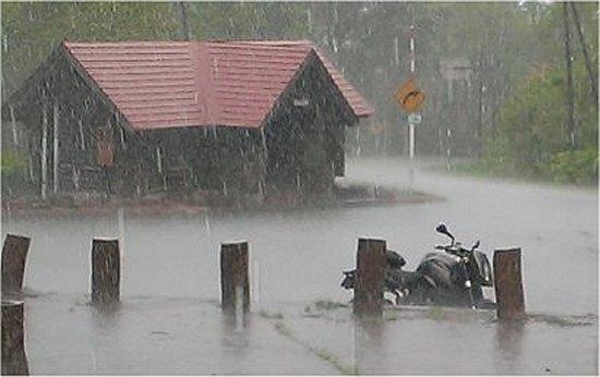 雨の練習081