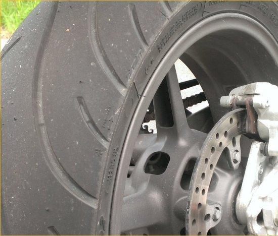 Rタイヤ交換990SD201405