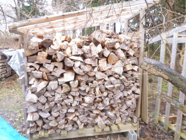 薪小屋へのアプローチ