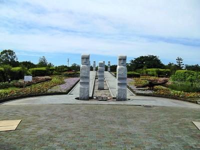 石人の泉花壇 (4)