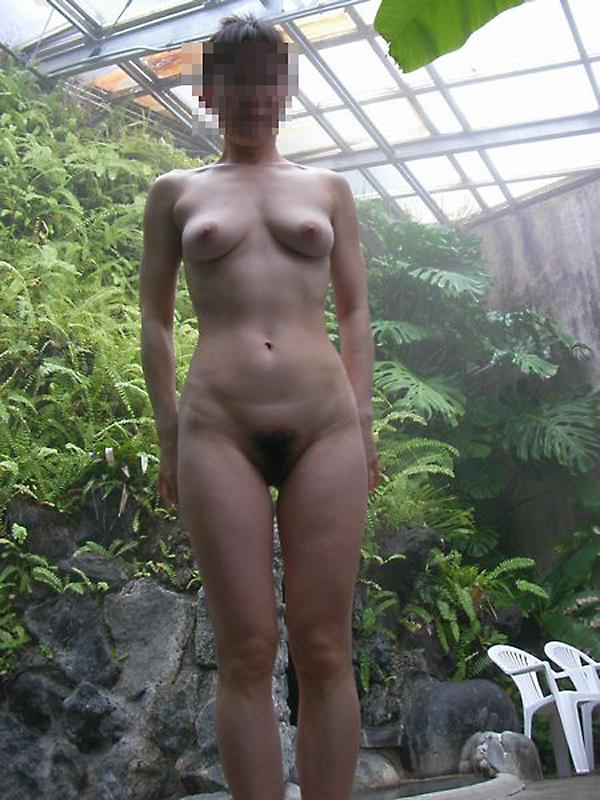 混浴露天風呂で撮影した彼女のハダカ画像 2