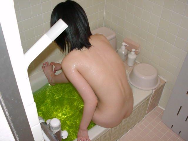 【素人】彼女がシャワーを浴びてるエロ画像 3