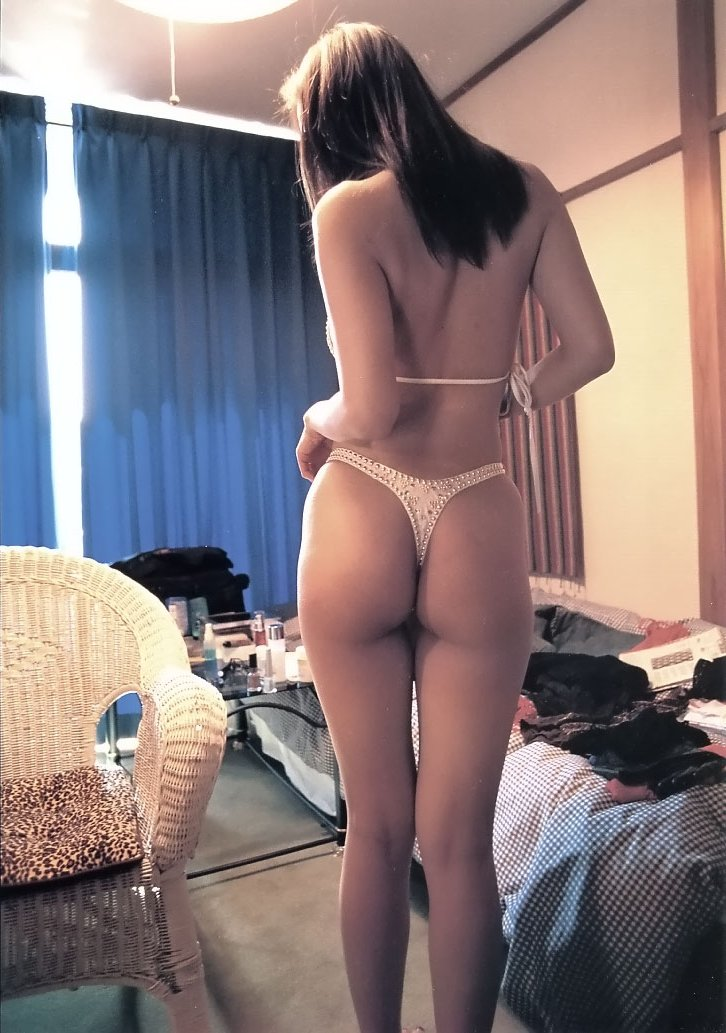 【素人】家庭内やラブホで撮られた素人女子の流出エロ画像 4