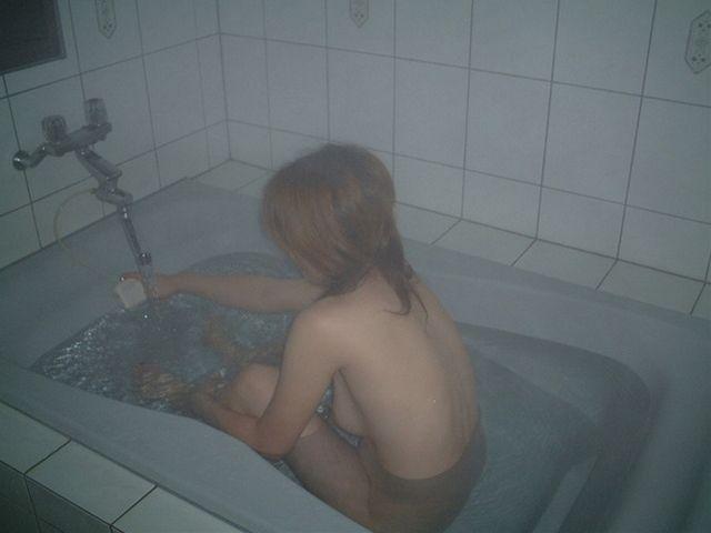【素人】彼女がシャワーを浴びてるエロ画像 23