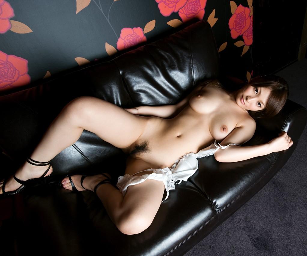綺麗なお姉さんの全裸ヌード写真 24