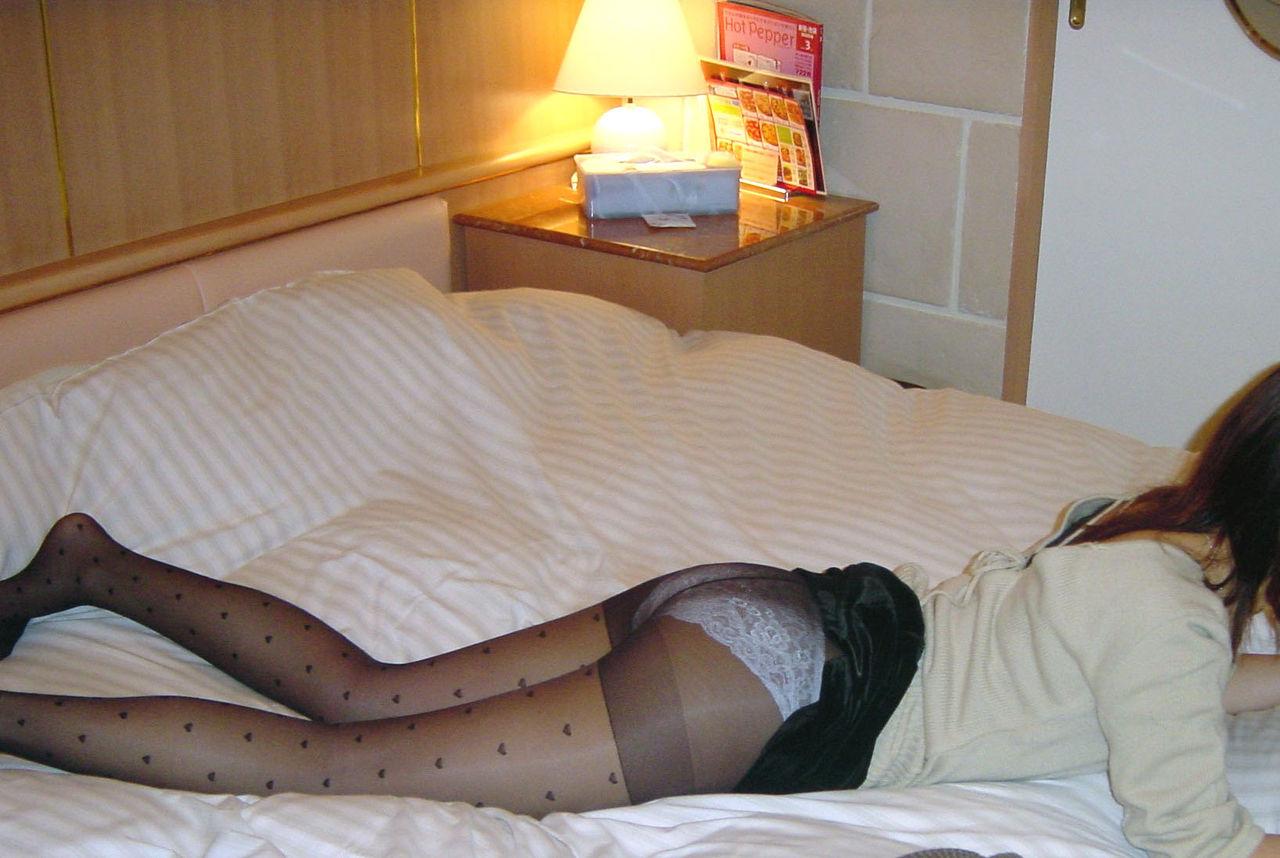ラブホで撮影された素人女性のエロ画像 28