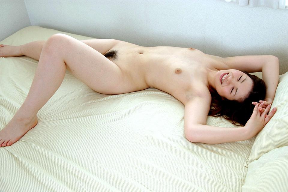 綺麗なお姉さんの全裸ヌード写真 32